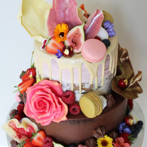 Tiered wedding cake course