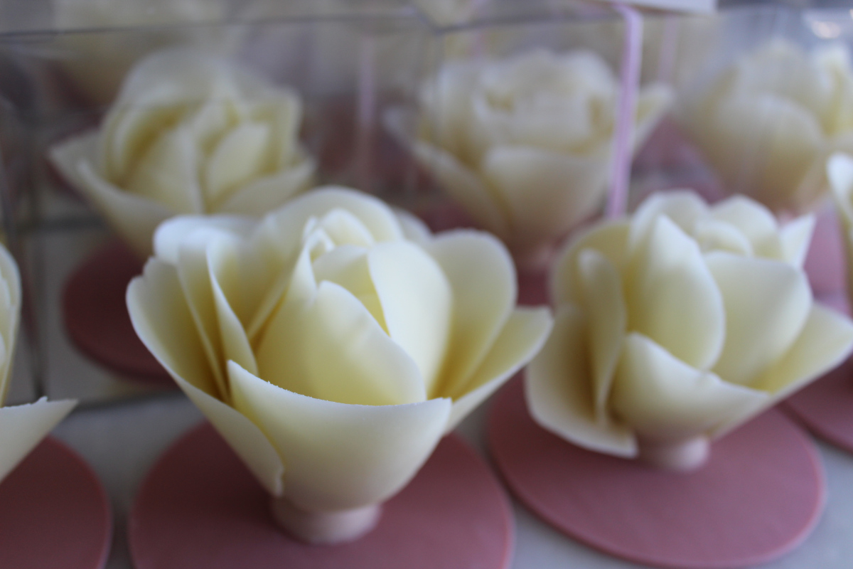 White Chocolate Rose Favours